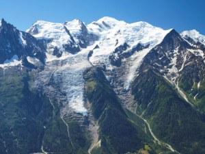 Евакуират част на Италия, заради опасност от откъсване на ледник в Монблан