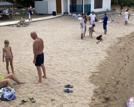 """Ахмед Доган говори с плажуващите на """"Росенец"""""""