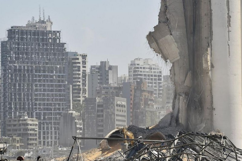 Предсрочни избори се задават в Ливан след катастрофата в Бейрут
