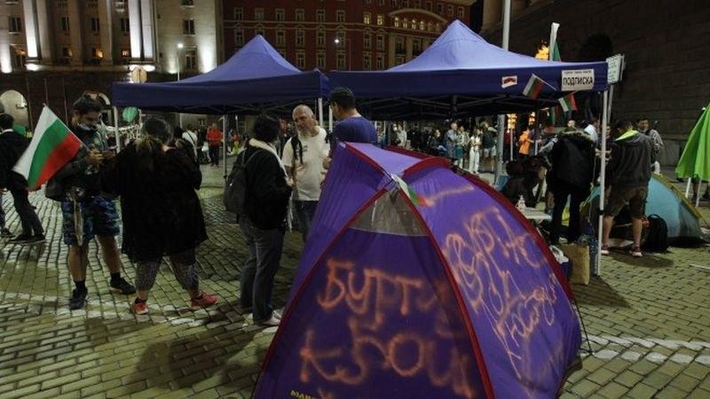 СДВР: Протестиращите отказват да разговарят с полицията