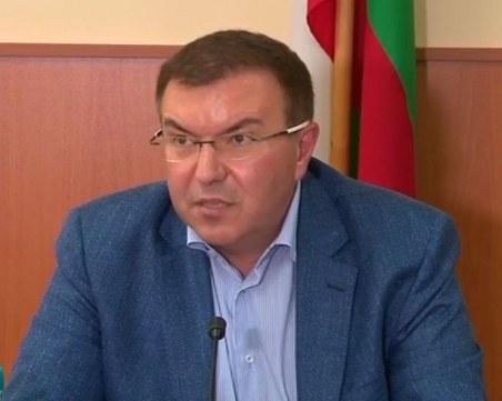 Здравният министър иска главата на директор на болница заради хаос с COVID-19 в областен град