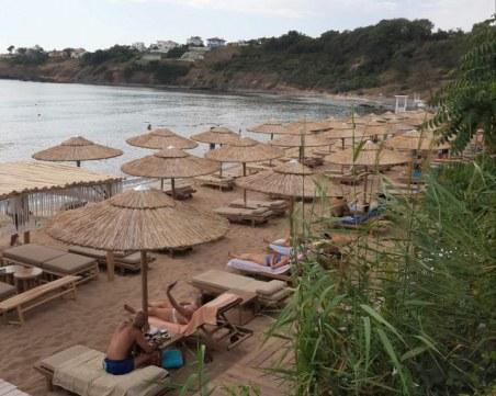 На къмпинг Черноморец: 3 лева - шезлонг, 5 лева - шалте