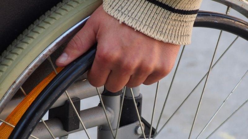 Грижите за хора с увреждания ще се считат за трудов стаж
