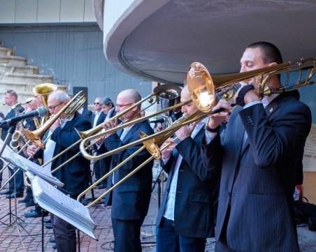 Духовият оркестър свири класика и евъргрийни безплатно в Цар Симеоновата градина