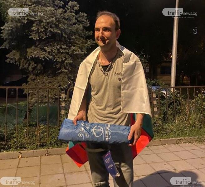 Задържаният на протеста е художник, искал да си пробва палатката