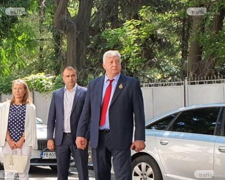 """Зико декларира покупка на """"Трабант"""" за 600 лева, парите на Тодор Чонов – намалели"""