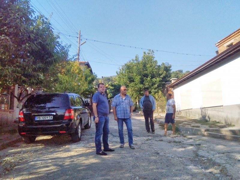 Ремонт за 40 000 лв. на една от най-важните улици в пловдивско село