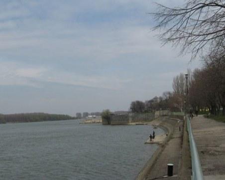 14-годишен изчезна в Дунав, издирват тялото му