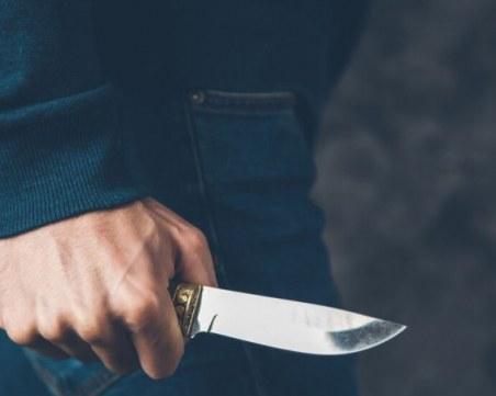 Любовна драма! Мъж с нож влезе в шивашки цех, намушка собственика