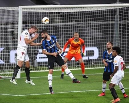 Севиля го направи за шести път след шеметен финал с Интер