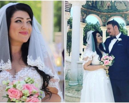 За втори път: Певицата Ива Давидова мина под венчило