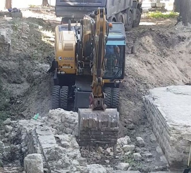 Разкопаха с багер античния Одесос във Варна
