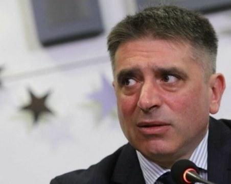 Данаил Кирилов обясни за списъка с 250 души, наричащи го Барни Ръбъл