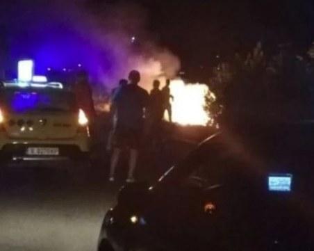БМВ избухна в пламъци след зрелищна каскада