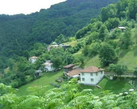 Как село с 80 жители в Пловдивско има 21 заразени?