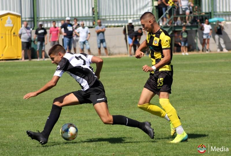 Ботев и Локо си размениха по една победа при юношите