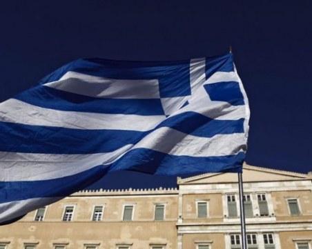 Учебната година в Гърция - присъствено, но със задължителни маски