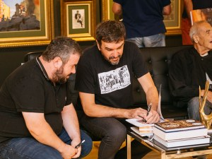 Илиян Савков с изложба в Aeterna: Когато рисувам абстрактни картини, съм Джанго без окови