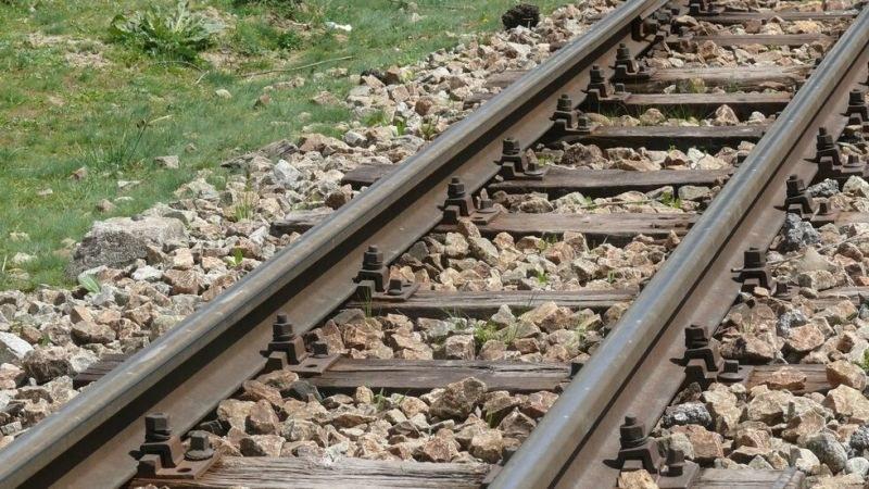 Влак удари кола на жп прелез