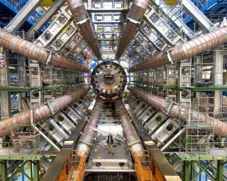 На този ден: Големият адронен колайдер е пуснат в действие