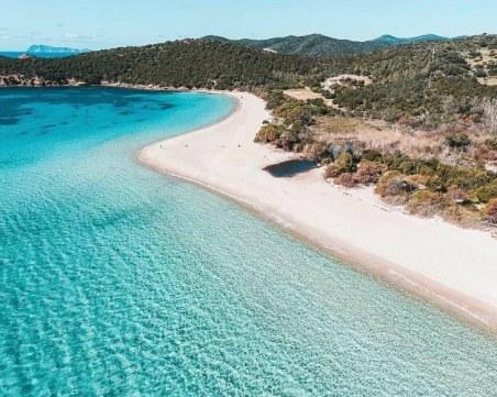 Глобиха с 1000 евро турист, взел пясък от италианския остров Сардиния