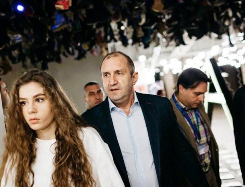 Дъщерята на президента - с един от най-високите балове в НАТФИЗ
