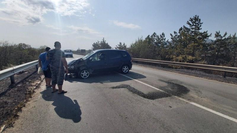 Пожар на Подбалканския път предизвика верижна катастрофа