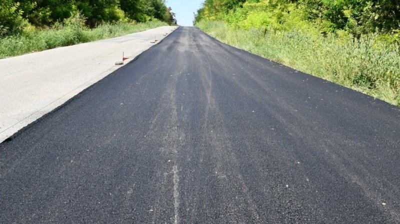 Пуснаха движението по ремонтирания път за Старосел