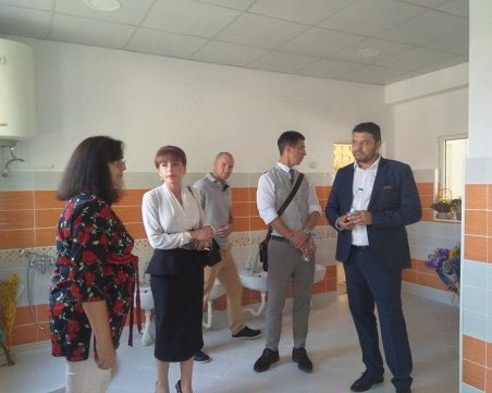 На обновена детска градина се радват децата в село Марково