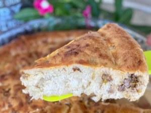 Вкусна пита с месо: Домашно пълнено тесто, което може да замести обяда!