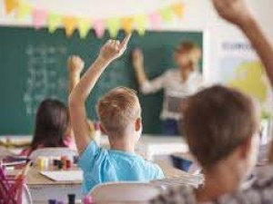 Майка пусна жалба срещу класна, защото качила снимка на класа във Фейсбук