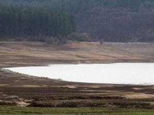 Перник спира да черпи вода от София