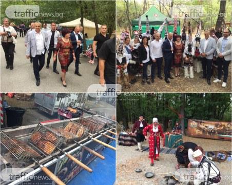 Цвета Караянчева изненадващо в Пловдив! Дойде на Народния събор, поведе хорото