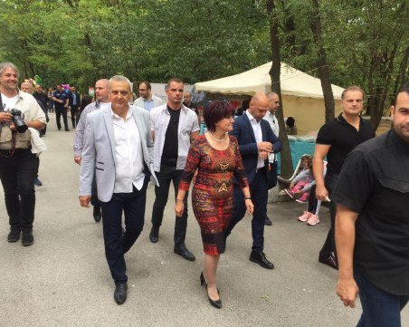 Цвета Караянчева изненадващо в Пловдив! Дойде на Народния събор