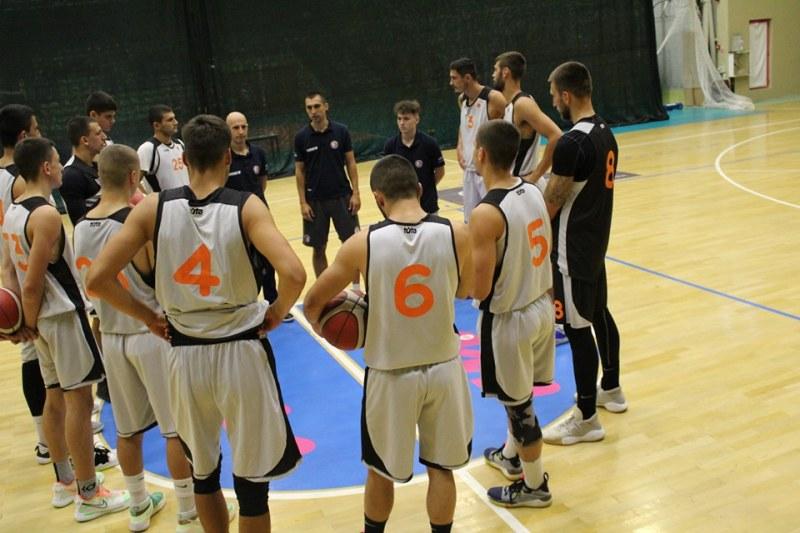Баскетболният Академик с втора победа в контролите