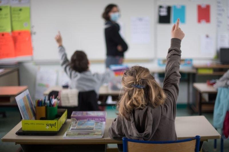 500 ученици и 40 учители са под карантина