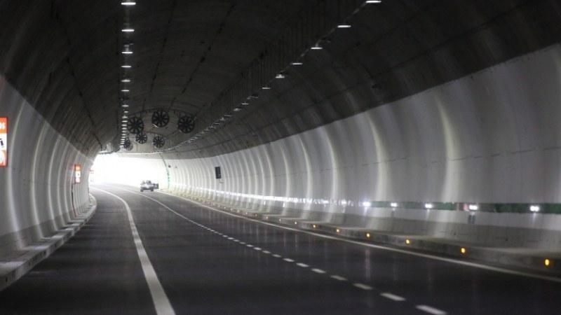 """Ако шофирате по АМ """"Тракия"""" между Пловдив и София внимавайте край тунела"""