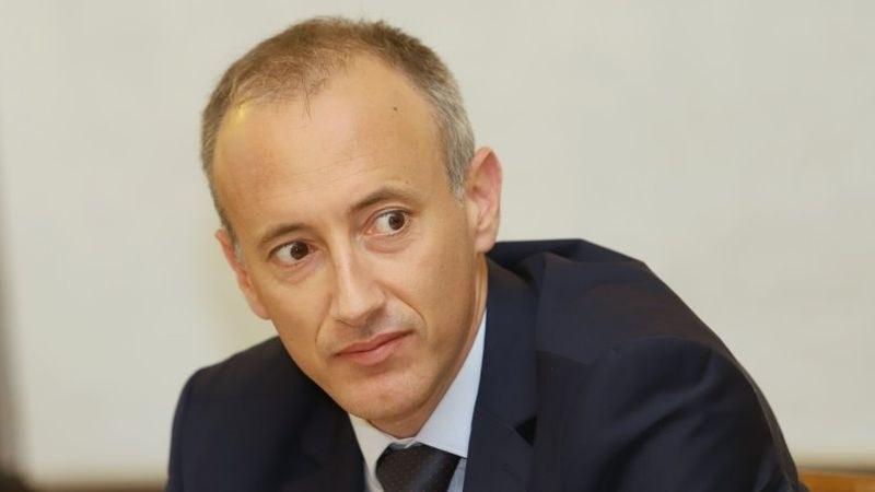 Министър Вълчев: Училища и детски градини да не събират пари от родителите