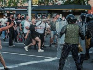 Хиляди се отправиха към резиденцията на Лукашенко в Минск, полицията стреля във въздуха в Брест