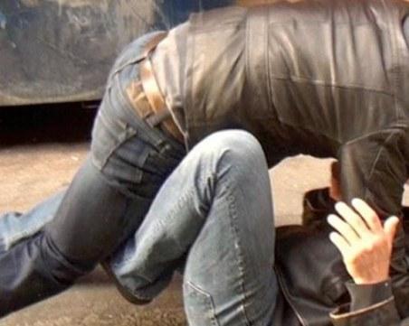 Екшън във Велико Търново! Мъж е с опасност за живота след бой