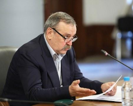 Кантарджиев: Вирусът убива, въпреки приказките на някои безотговорни хора