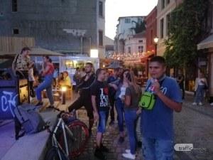 В Капана ври и кипи от ангели! Пловдивчани събират пари за болния от левкемия Ангел