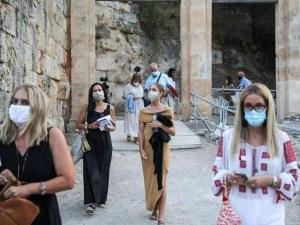 Епидемиолози  искат пълна блокада на Атина и Атика, ограждат плажни ивици и паркове
