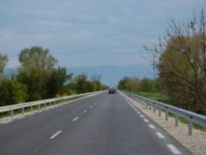 Пътен знак ту се появява на пътя Пловдив-Карлово, ту изчезва! Санкции обаче има