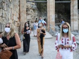 Предложение: Затвор, ако не носиш маска в Гърция