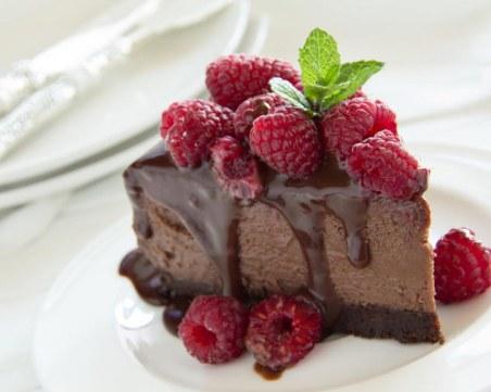Най-кремообразната и сладка шоколадова бисквитена торта: Насладете се на мига!