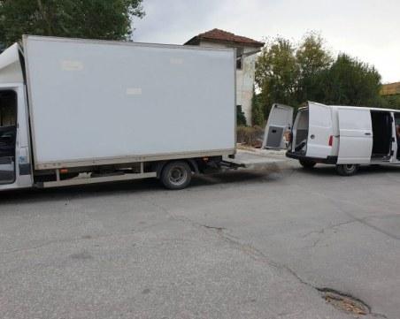 Намериха огромно количество нелегални цигари в Пловдив, скрити в кутии за инструменти