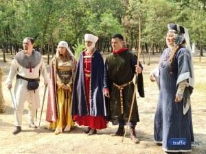 Гладиатори и огнен ритуал за откриването на