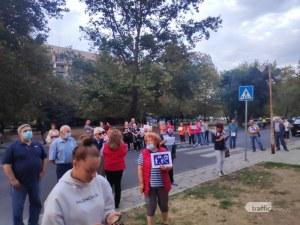 Протест и контрапротест се сляха в Пловдив, спорят дали да се отворят две улици в Централен