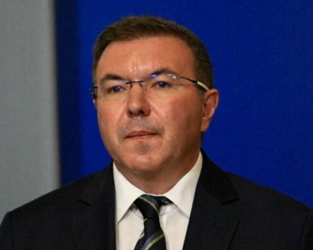 Здравният министър: Ако ситуацията стане зле ще затегнем мерките, но няма да затваряме градове